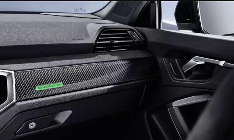 คอนโชลหน้า AUDI RS Q3 SPORTBACK