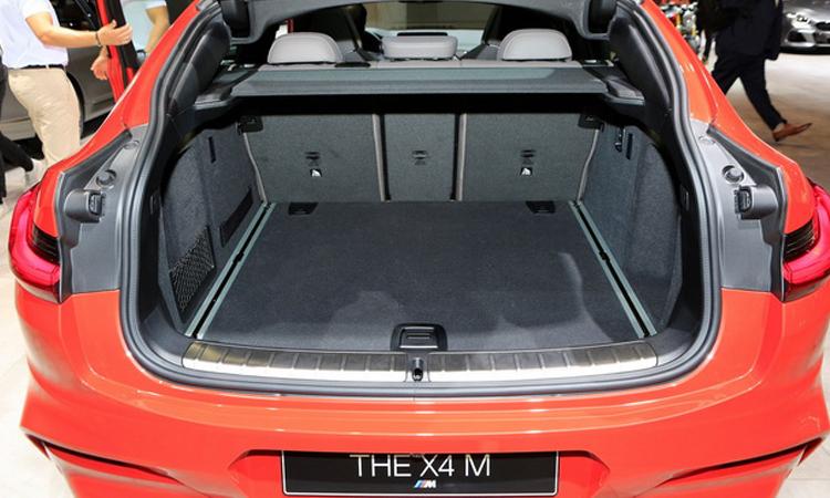 ที่เก็บของด้านหลัง all-new BMW X4 M Model