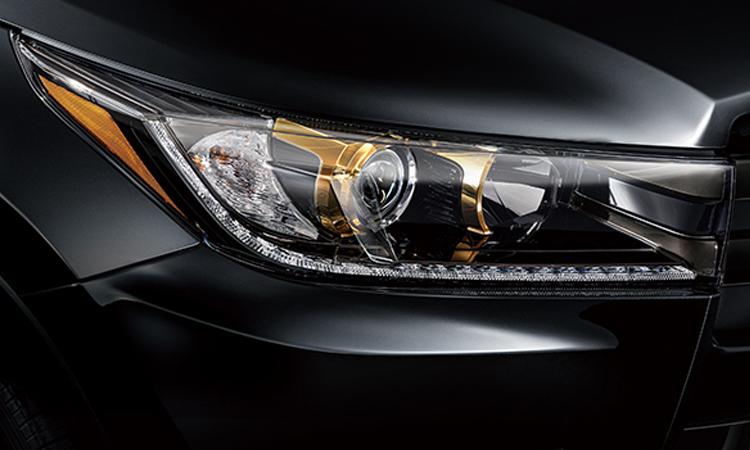 ดีไซน์โคมไฟหน้า Toyota Highlander Knight SUV