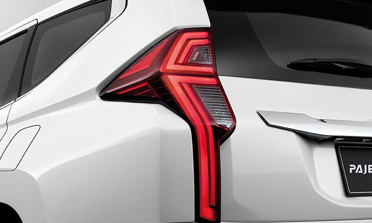 ดีไซน์ไฟท้าย Mitsubishi Pajero Sport Minorchange
