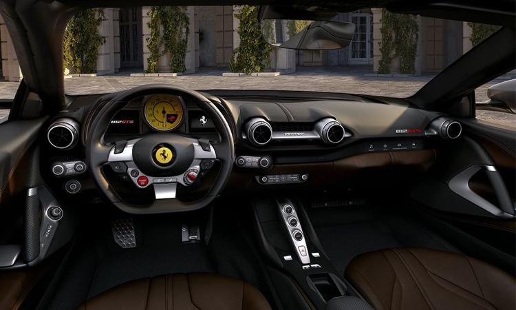 ภายใน Ferrari 812 GTS