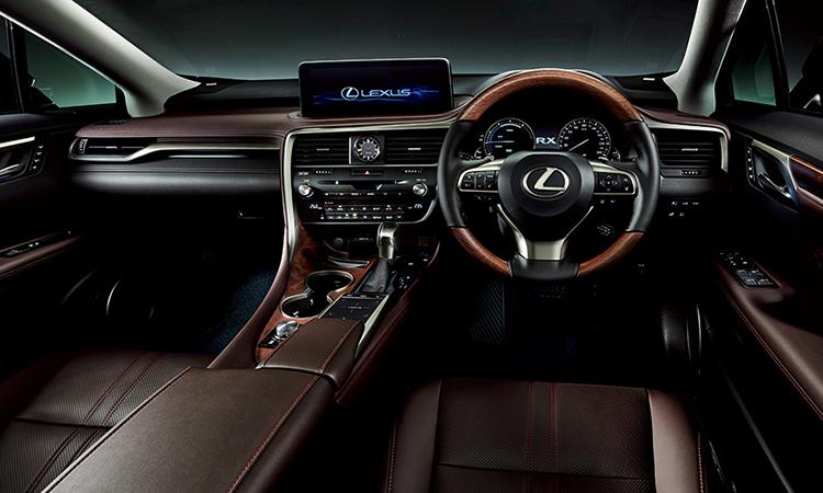 ภายในสีน้ำตาลดำ ขนาดของตัวถัง Lexus RX 300 Minorchange