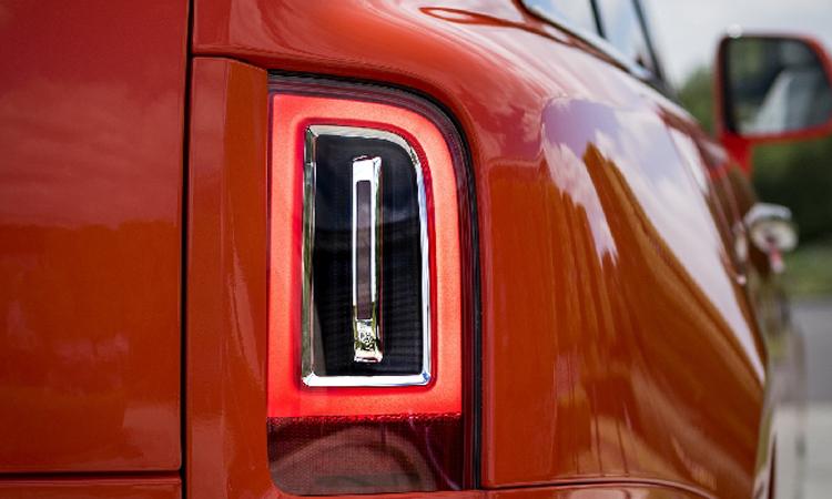 Rolls-Royce Cullinan 2019 ปัญหาไฟท้าย
