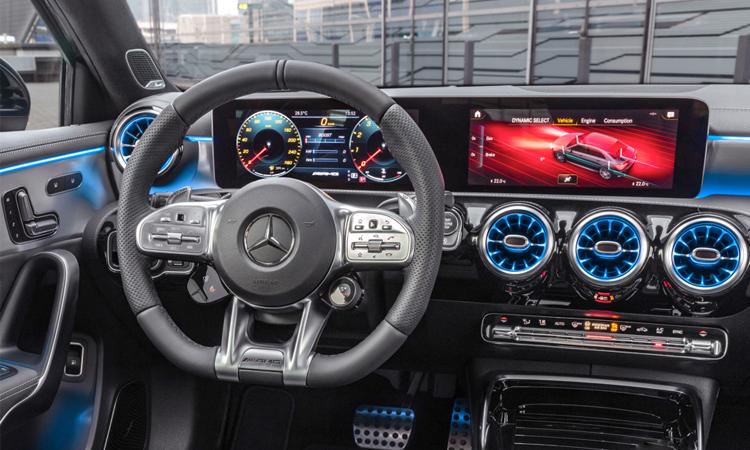 ดีไซน์พวงมาลัย Mercedes-AMG A35 Sedan
