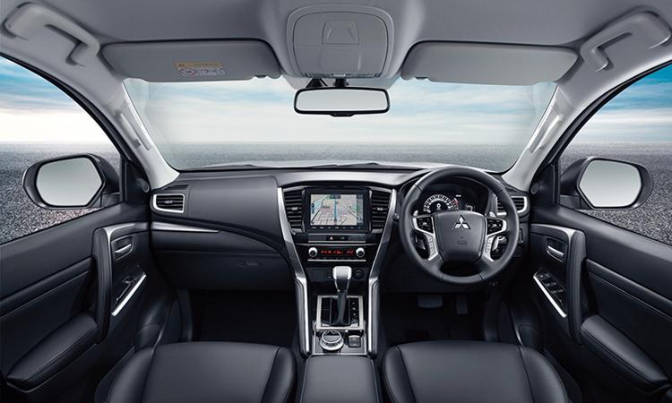 ดีไซน์ภายใน Mitsubishi Pajero Sport Minorchange