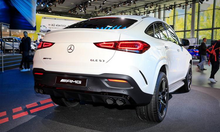 ดีไซน์ด้านหลัง Mercedes Benz AMG GLE 53 Coupe