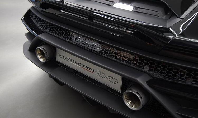 ดีไซน์ด้านหลัง Lamborghini Huracán EVO