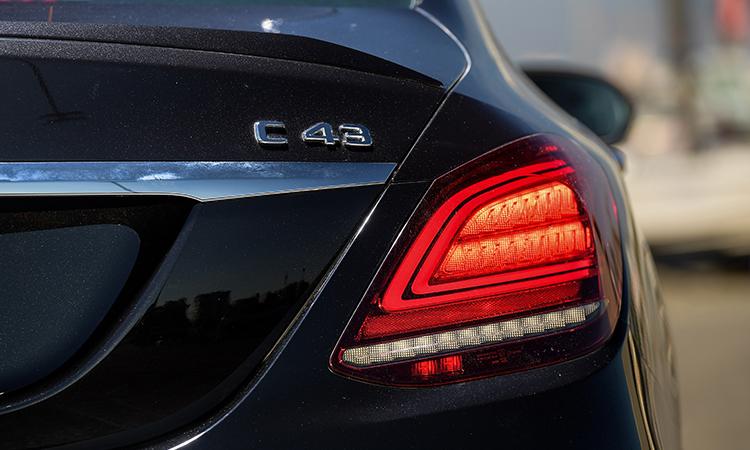 ดีไซน์ไฟท้าย Mercedes-AMG C 43 4MATIC Sedan