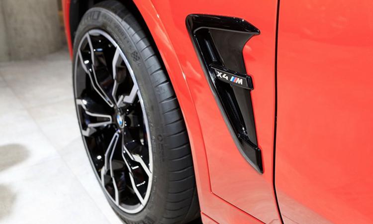ดีไซน์ ข้าง all-new BMW X4 M Model