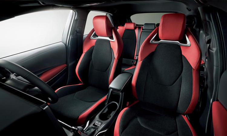 เบาะคู่หน้า Toyota Corolla Sport Hatchback