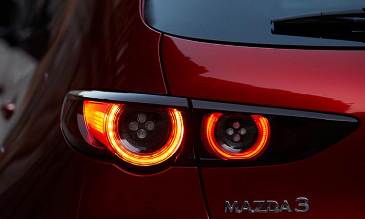 ดีไซน์ไฟท้าย All New Mazda 3