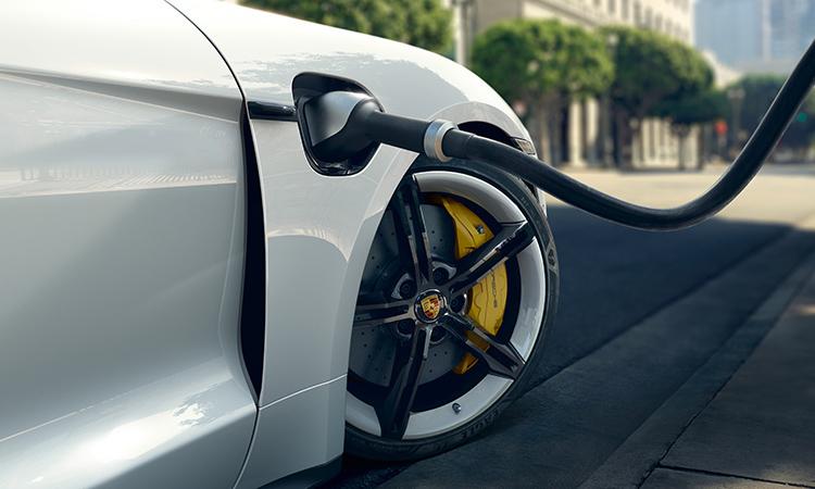 ที่ชาตไฟ Porsche Taycan