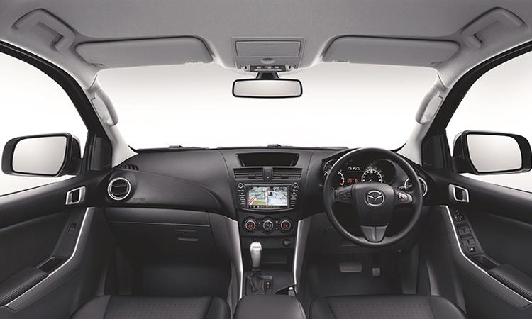 ภายใน Mazda BT-50 Pro 2.2