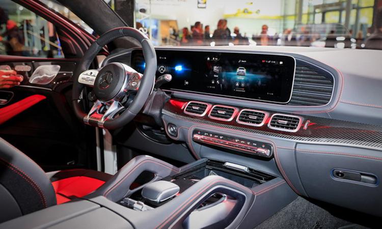 ภายใน Mercedes Benz AMG GLE 53 Coupe