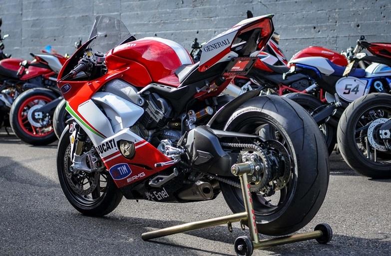 Nicky-Hayden-Ducati-Panigale-V4-tribute-specail