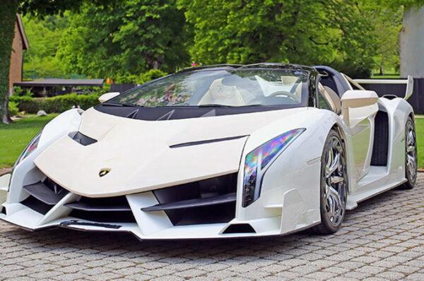 ถูกนำมาประมูลแล้ว Veneno Roadster คันที่ 7 ในราคา 257 ล้านบาท