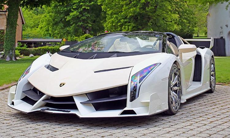 2014-Lamborghini Veneno Roadster