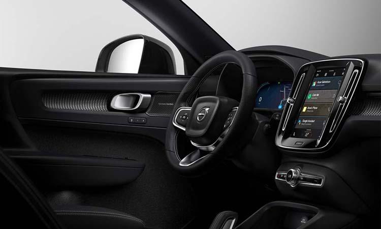 Android Automotive ใน Volvo XC40 EV