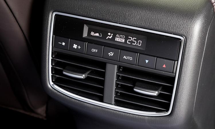 ช่องแอร์ด้านหลัง Mazda CX-8 SUV 3