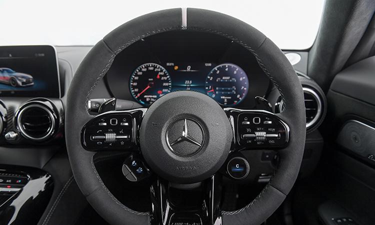 พวงมาลัย Mercedes-AMG GT R