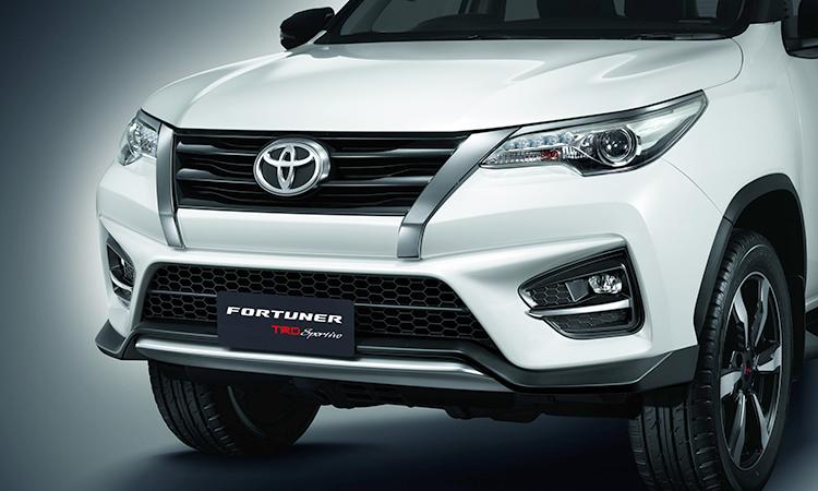 ดีไซน์กระจังหน้า Toyota Fortuner TRD Sportivo 2