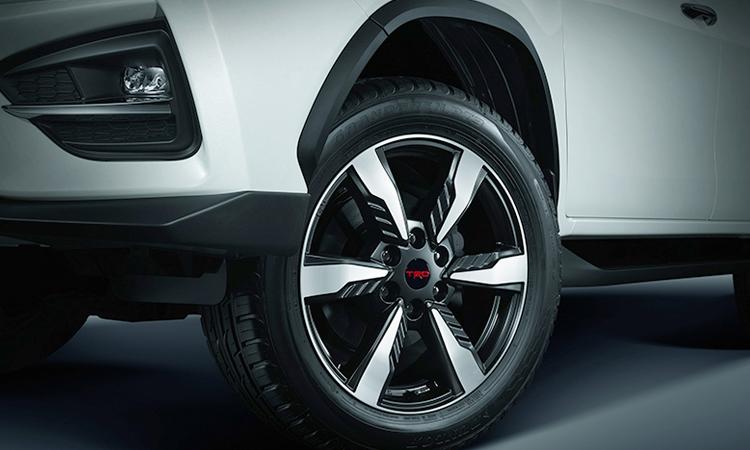 ดีไซน์ล้อแม็ก Toyota Fortuner TRD Sportivo 2