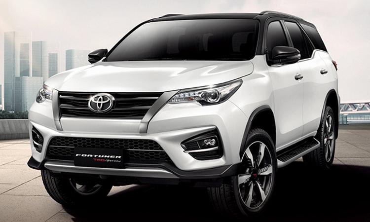 Toyota Fortuner TRD Sportivo 2