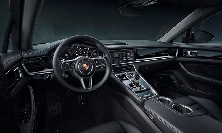 ภายใน Porsche Panamera 10 Years Edition