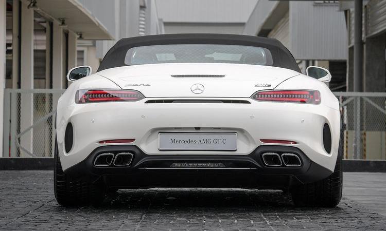 ดีไซน์ด้านท้าย Mercedes-AMG GT C Roadster