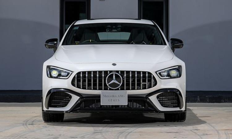 ดีไซน์กระจังหน้า Mercedes-AMG GT 63 S 4MATIC+ 4-Door Coupé