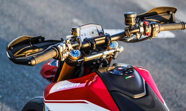 ดีไซน์แฮน Ducati HyperMart 950