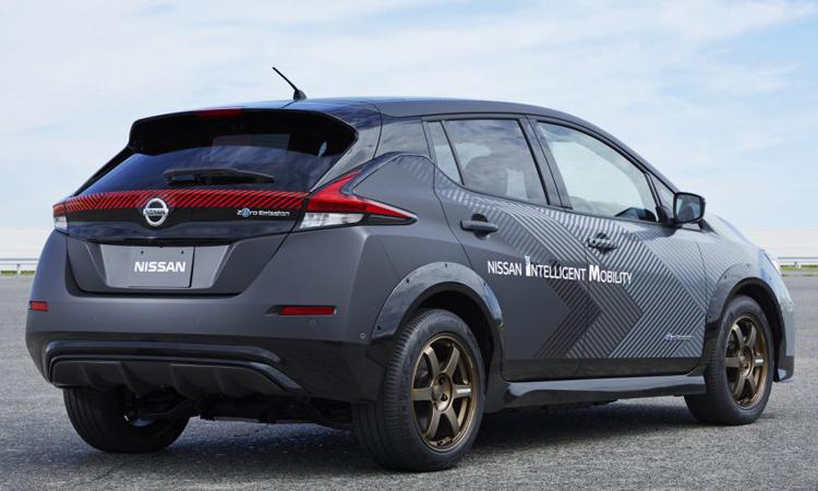 รอบคัน Nissan Leaf e+