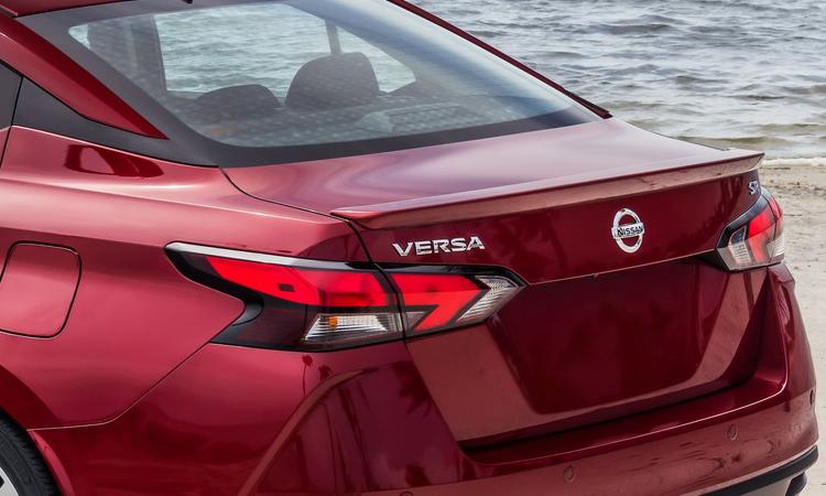 ดีไซน์โคมไฟท้าย Nissan ALMERA 1.0 TURBO