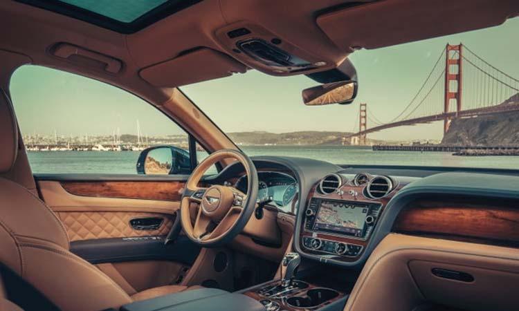 ภายใน Bentley Bentayga Hybrid