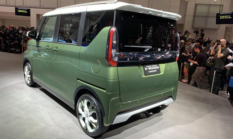 ดีไซน์ด้านท้าย Mitsubishi K-WAGON