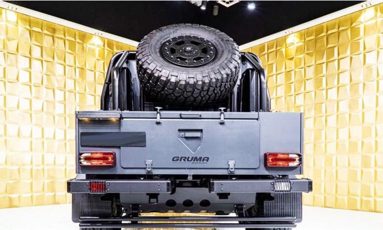 ดีไซน์ด้านหลัง Mercedes-Benz G500 4×4