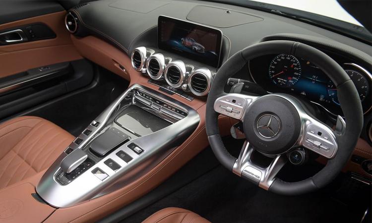 พวงมาลัย Mercedes-AMG GT C Roadster