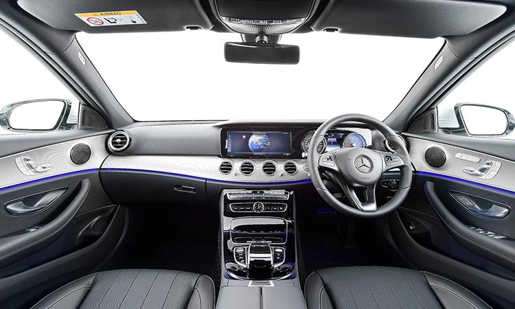 ภายใน Mercedes-Benz E 350e Final Edition (Plug-in Hybrid)