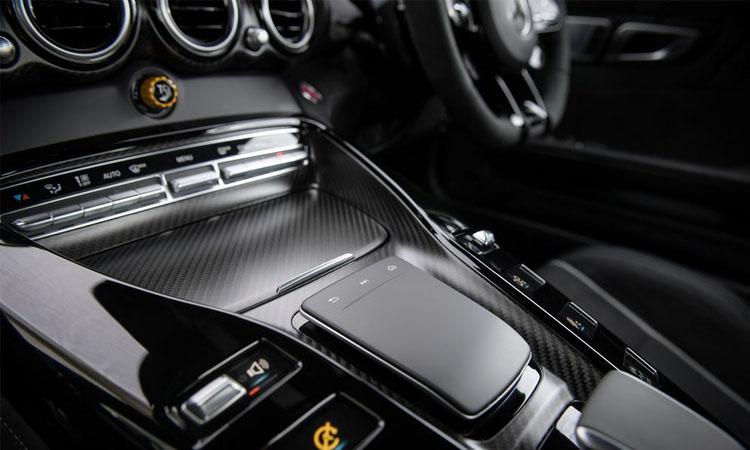 เกียร์ Mercedes-AMG GT R