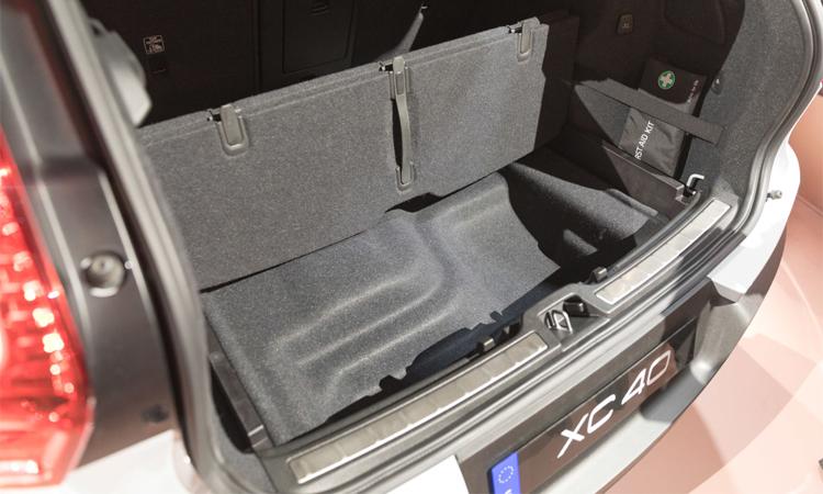 ี่เก็บของด้านหลัง Volvo XC40
