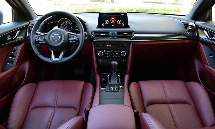 ดีไซน์ภายใน Mazda CX-4 Minorchange