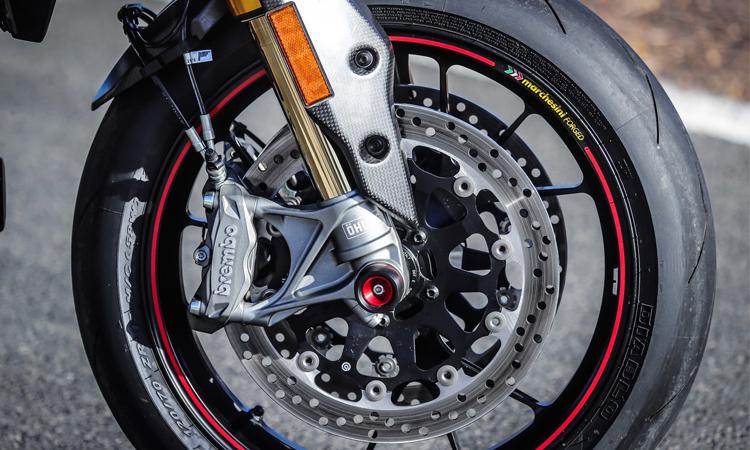 ดิสแบรก Ducati HyperMart 950