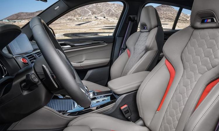 เบาะคู่หน้า BMW X4 M