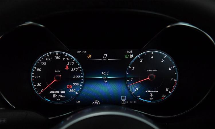 เรือนไมล์ Mercedes-AMG GT C Roadster