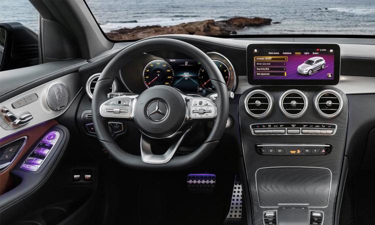 ดีไซน์ภายนอก Mercedes-Benz GLC ทั้งรุ่น GLC 220 d, GLC 220 d AMG Dynamic