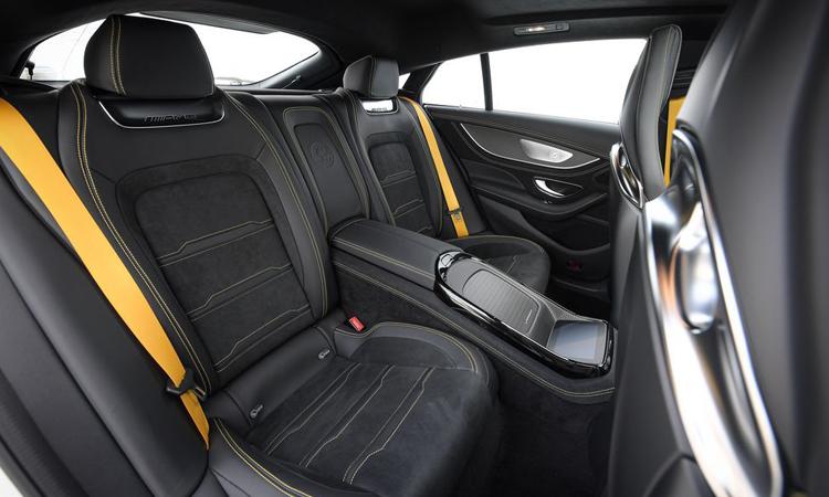 เบาะนั่งด้านหลัง Mercedes-AMG GT 63 S 4MATIC+ 4-Door Coupé