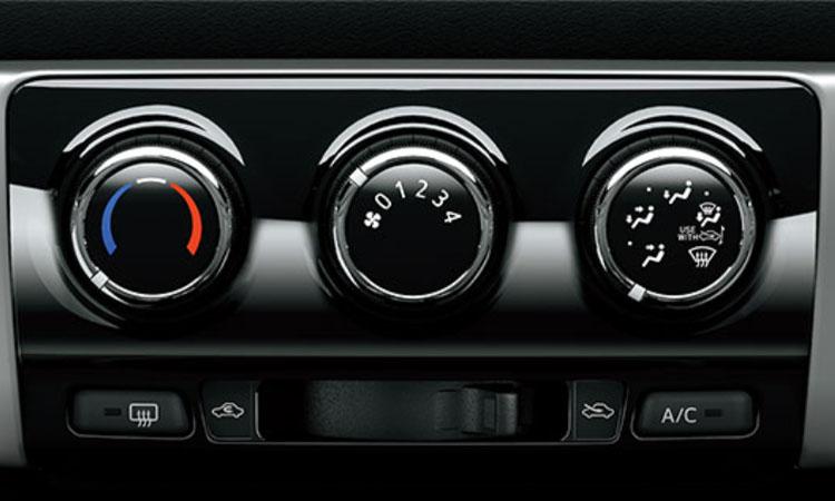 ปุ่มเปิดิดแอร์ Toyota Yaris L Hatchback