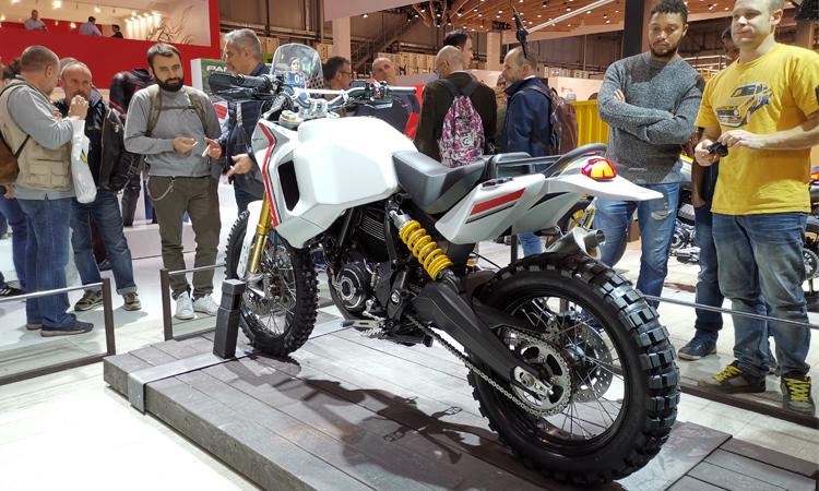 Model-Ducati-Desert-X
