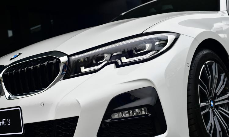 ไฟหน้า All NEW BMW 320d Sport (G20)