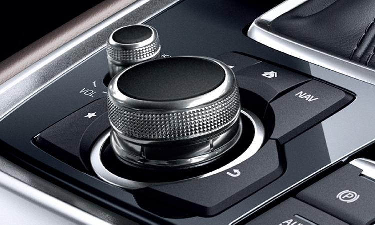 ปุ่มควบคุม All NEW Mazda CX-8